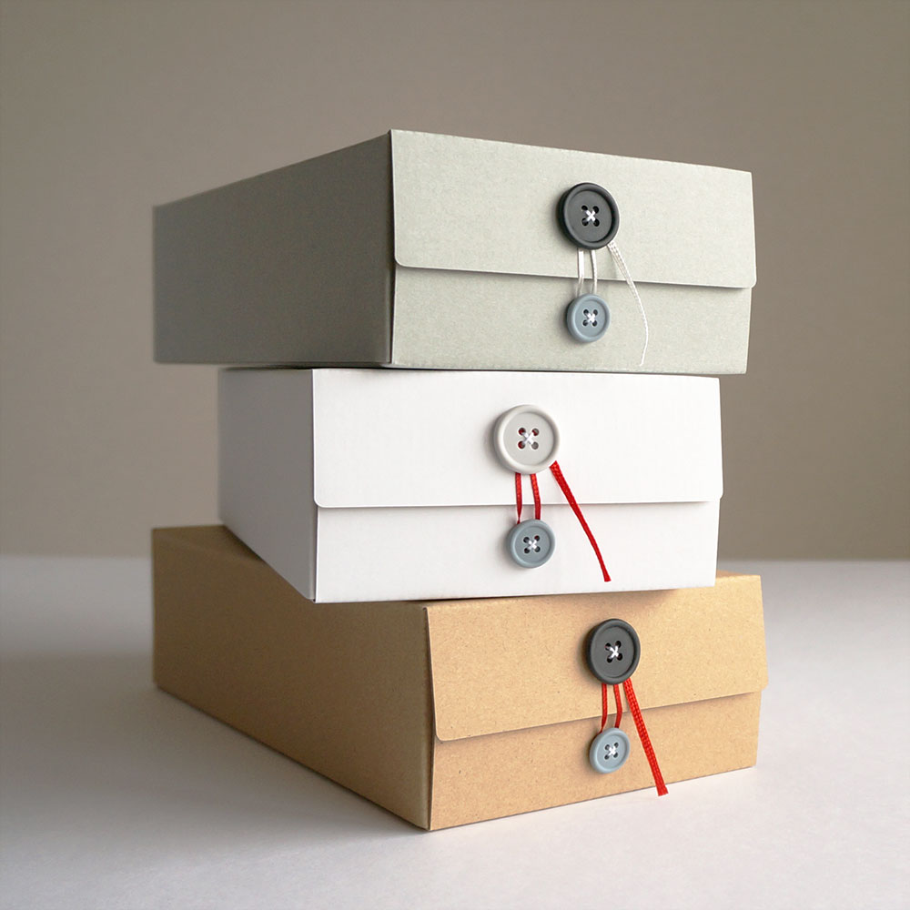 concrete craft / button tissue box